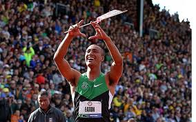 Ashton Eaton breaks the decathlon world record and salutes UO.
