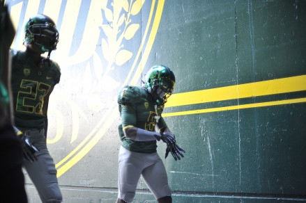 BJ Kelley (#23) and De'Anthony Thomas (#6)