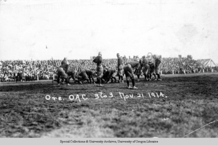 The 1914 Civil War game, played in Albany, a 3-3 tie. ©University of Oregon Libraries - Special Collections and University Archives