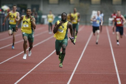 De'Anthony Thomas sprinting towards the finish line as he wins the 4x100 meter race in the Oregon Preview.