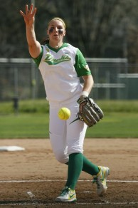 Jessica Moore pitching against New Mexico