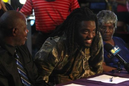 Alex Collins eventually signed with Arkansas
