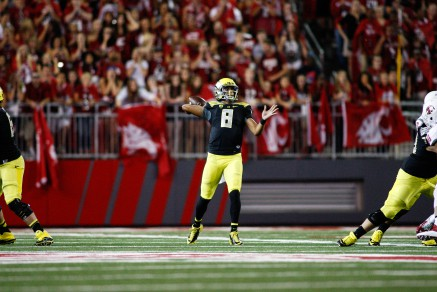 Mariota stands alone among Heisman hopefuls, but should he?