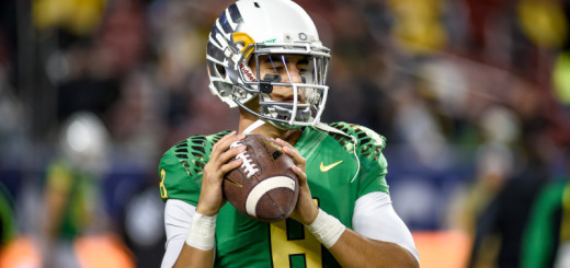 Marcus Mariota warming up for PAC-12 Title Game